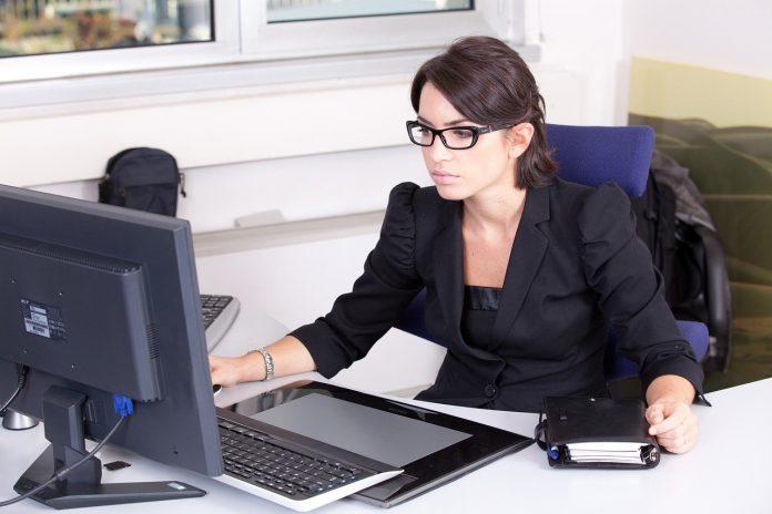 Dlaczego warto korzystać z księgowości online?